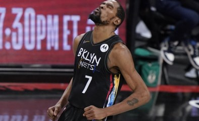 """Kevin Durant gaat he-le-maal los in play-offs NBA: """"God vermomd als Kevin Durant"""""""