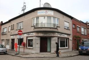 Gebouw van Topradio staat te koop: zin om te wonen of werken in een oude radiostudio?