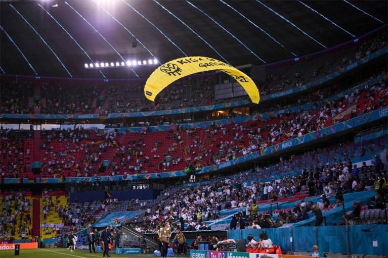 Duitse politie overwoog paraglidende activist van Greenpeace neer te schieten