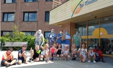 Leerlingen Sint-Lievensinstituut en bejaarden van Ter Kimme blijven beste buren