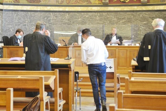 """Brakelse burgemeester riskeert twee jaar cel voor aanrijding onder invloed: """"Hij mag al blij zijn dat het niet noodlottig is afgelopen"""""""