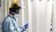 Aantal patiënten in ziekenhuizen blijft stevig zakken, helft van alle Belgen kreeg al één vaccindosis