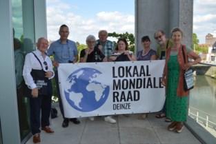 Lokaal Mondiale Raad verrast leden met 'totebags'