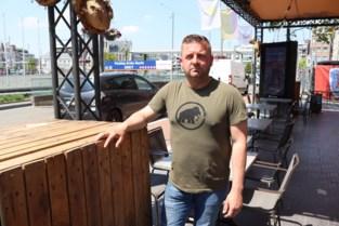 Snel optrekken, bruusk rijden en boemboem-muziek: patserbakken komen cafébaas Steve de strot uit