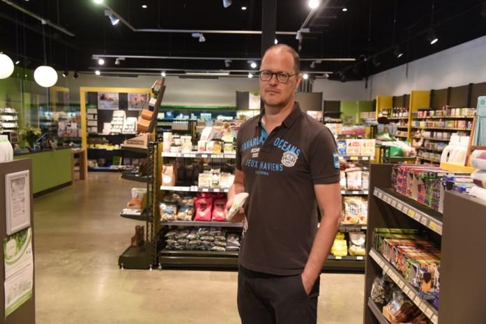 """Oudste biowinkel van de stad is verhuisd naar groter pand: """"Ruimer aanbod nu meer en meer mensen bewuster kopen"""""""