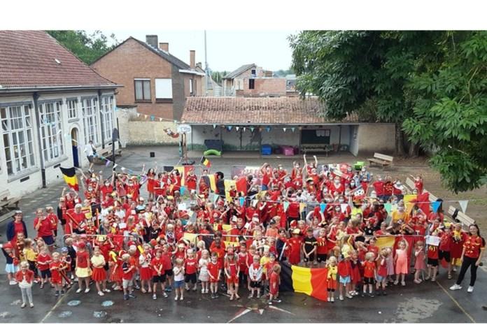 Taborschool kleurt zwart, geel en rood