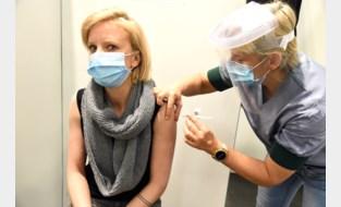 """Veertigers bedanken vaker voor coronavaccin: """"Waarom weten niet. We kunnen niet in hun hoofden kijken"""""""