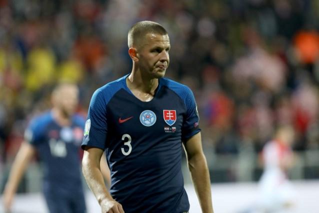 """EK LIVE. Twee coronagevallen bij Slovakije, Engeland vraagt fans """"respect te tonen"""""""