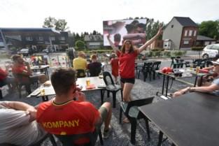 Voetbalsfeer top aan café Boekt