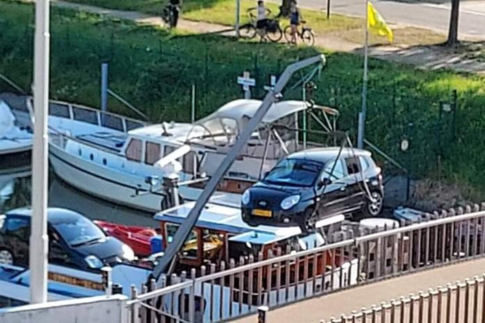 Tolpoortbrug zet uit door hitte, vrachtschip moet nacht wachten om door te varen