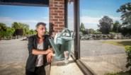 """Voor het OCMW verdient hij te veel, voor de privémarkt te weinig en dus leeft Rinaldo (49) in zijn auto op de parking van het kerkhof: """"Hier is tenminste water"""""""