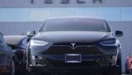 Amerikaanse autoriteiten onderzoeken 30 crashes met zelfrijdende Tesla's