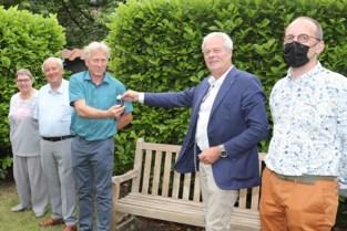 Sociale winkel De Loods krijgt vrachtwagen van Rotary Club Lier