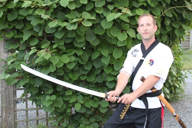 Balenaar Mark Ramaekers wint WK vormlopen met zwaard