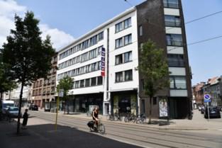 Familie Proost verkoopt supermarkt in Lange Leemstraat aan Jumbo