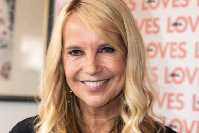 Tom Waes treft halfnaakte Linda De Mol aan tijdens opnames 'Reizen Waes Nederland'