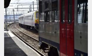 Trein tussen Saint-Ghislain en Luik geëvacueerd in Brussel