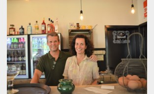 Dorstigen bestormen direct nieuw café Hal-Central