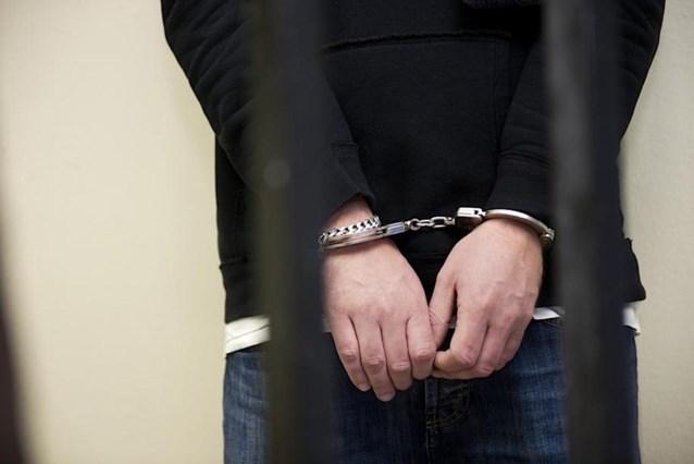 Politie pakt drieste drugsbezitter op na achtervolging op E19