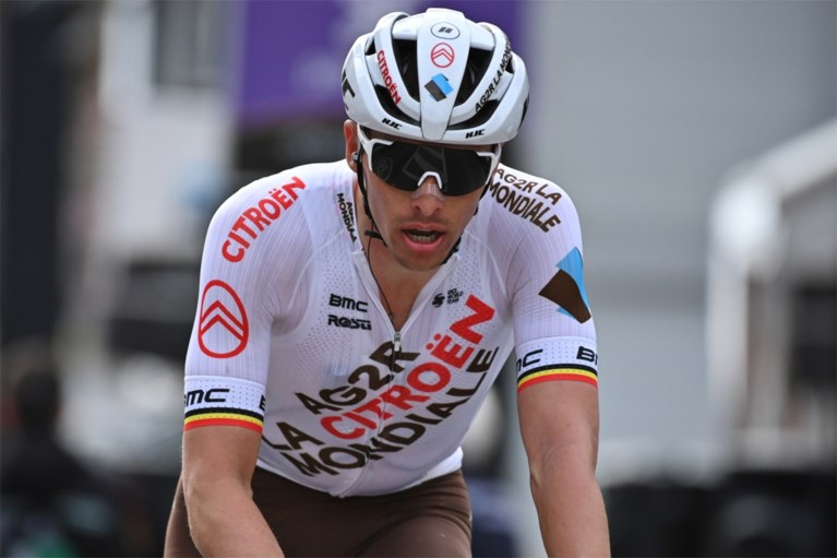 """Oliver Naesen over koersen tegen Wout van Aert en Mathieu van der Poel: """"Dankzij die twee zitten we precies in de MotoGP"""""""
