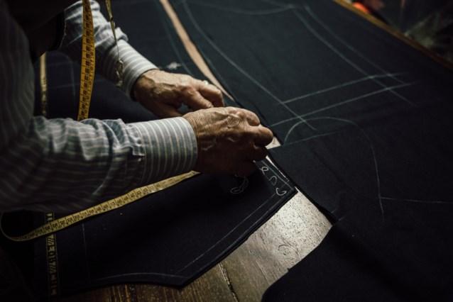 Zwitserse kleermaker mikt met 70 meter lange broek op wereldrecord