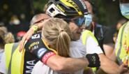 """Wout Van Aert draagt Belgische driekleur op aan vriend die strijd tegen botkanker verloor: """"Ik wil hem bedanken om mij extra kracht te geven"""""""