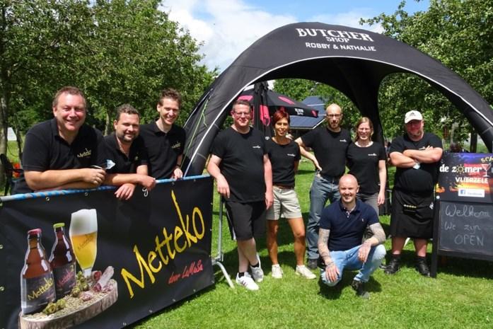 Zomerschuur opent met nieuw Vlierzeels bier: Mettekokwadraat