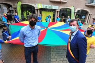 """Minister opent nieuwe vrijetijdsruimte voor mensen met beperking: """"Verhuis geeft ons een enorme boost"""""""