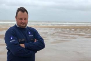 """Politie-inspecteur haalt jonge drenkeling zo'n zeventig meter ver uit zee: """"Mijn ervaring als redder kwam zeker goed van pas"""""""