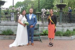 Pieter en Steffi zijn eerste om te trouwen in Leopoldpark na aanpassing huwelijksreglement