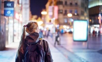 """Eén op de twee meisjes maakt omweg in stad uit vrees voor seksuele intimidatie: """"Ik loop zelfs niet meer alleen naar huis"""""""