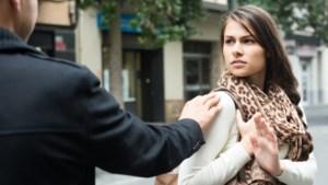 Seksuele intimidatie beperkt vrijheid van de helft van de jongeren