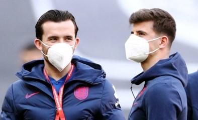 """Engelse voetbaliconen begrijpen """"absurde"""" coronaregels op EK niet na isolatie van twee internationals: """"Wat is het verschil?"""""""