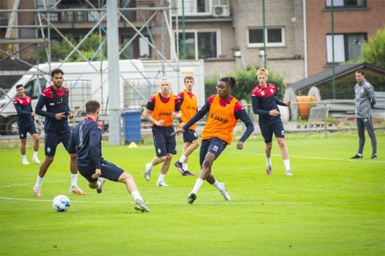 Ook Antwerp is eraan begonnen: 23 spelers op eerste training onder Brian Priske