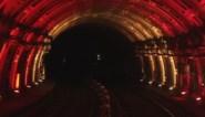"""MIVB speelt in op dalende coronacijfers met lichtspel in metro: """"Licht aan einde van de tunnel"""""""