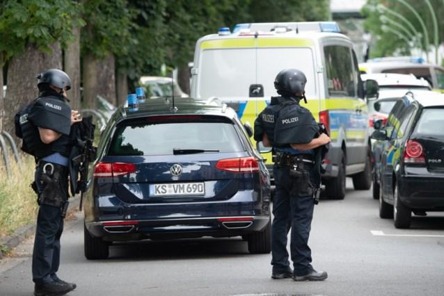 Verdachte overleden en politieman gewond bij schietincident in Frankfurt