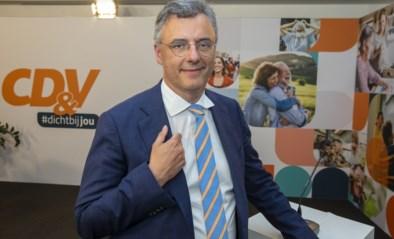 """CD&V-voorzitter Joachim Coens betrokken bij ongeval met bromfiets: """"Erg geschrokken"""""""