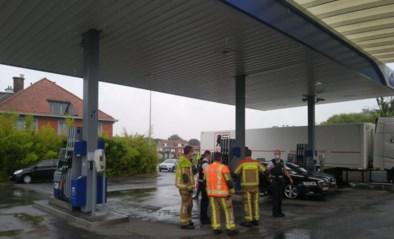Tankstation besmeurd met grote hoeveelheid olie