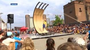 """Circusfestival CIRKL krijgt zomerse editie: """"Voorstellingen over de hele binnenstad van Leuven"""""""