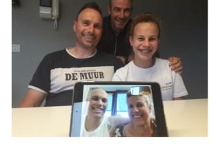 'Nonkel Kris' bouwt geluidsstudio voor zieke Mats (16) die stemacteur wil worden