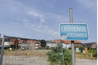 """58 sites in Zennestad mogelijk vervuild met kankerverwekkende PFOS: """"In die tijd loosde men alles in de rivier of in de grond"""""""