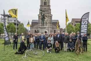 """Stad eert Albrecht Rodenbach met tal van initiatieven: """"Hét symbool van Deure Doen"""""""