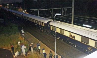 'Waauw' en applaus bij passage Orient Express in station Mariaburg