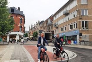 Nieuwe inrichting pleintje Paep Toon klaar: fietsen mag eindelijk in beide richtingen