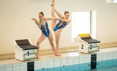 """Hannah (17) doet aan synchroonzwemmen op hoogste niveau: """"Turnen, maar dan in het water"""""""