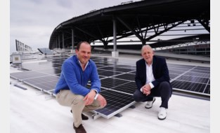 KAA Gent is blauw, wit … en groen: 1.100 zonnepanelen geplaatst op Ghelamco Arena
