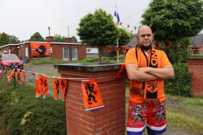 """Iedereen hangt de tricolore vlag buiten, maar Mano maakt een oranje-bastion: """"Alleen als Nederland er eerder uit gaat dan de Rode Duivels, hang ik een Belgische vlag"""""""