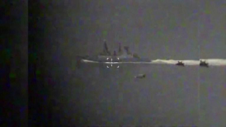 Russisch leger verspreidt beelden van incident met Britse torpedojager