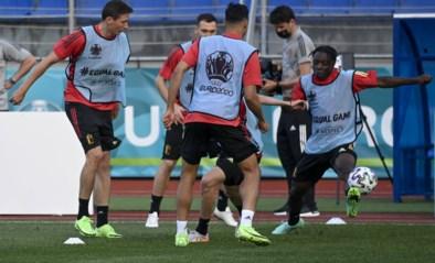 RODE DUIVELS LIVE. Spelers beginnen aan voorbereiding tegen Portugal, deze namiddag spreken Carrasco en Alderweireld de pers toe