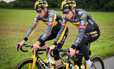 Wout van Aert en co tonen op training voor het eerst hun nieuwe 'Rapid Rebel' Tour-outfit